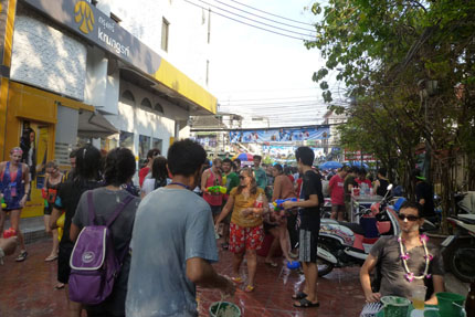 Songkran in der Thanon Rambuttri April 2014
