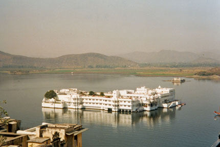 Lake Palace Hotel in Udaipur 2000
